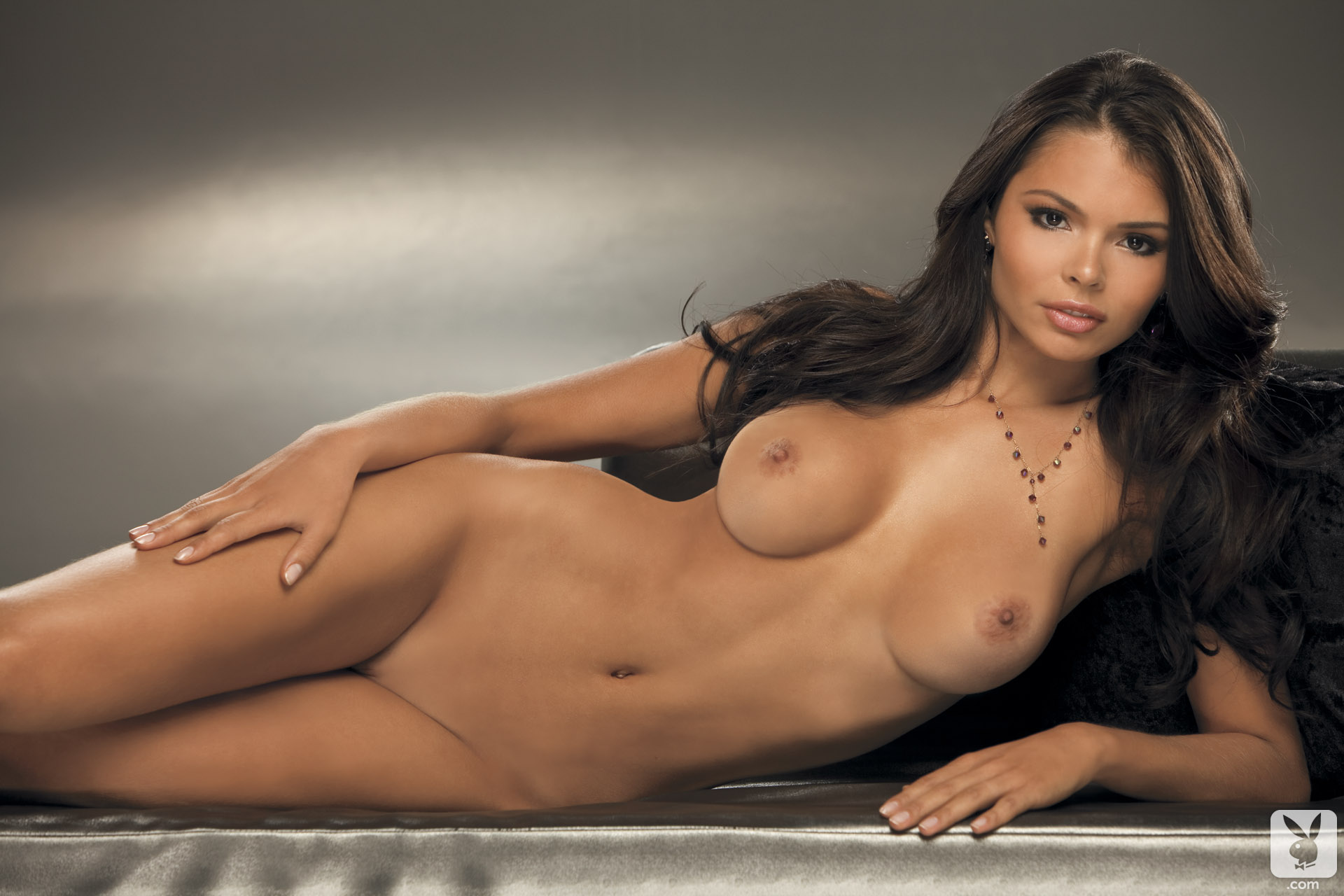 nude Alana campos
