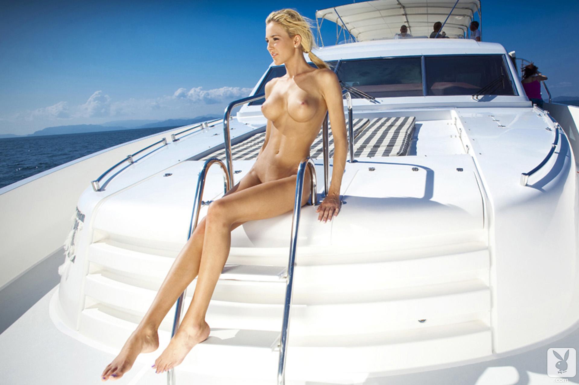 Богатые девушки голые