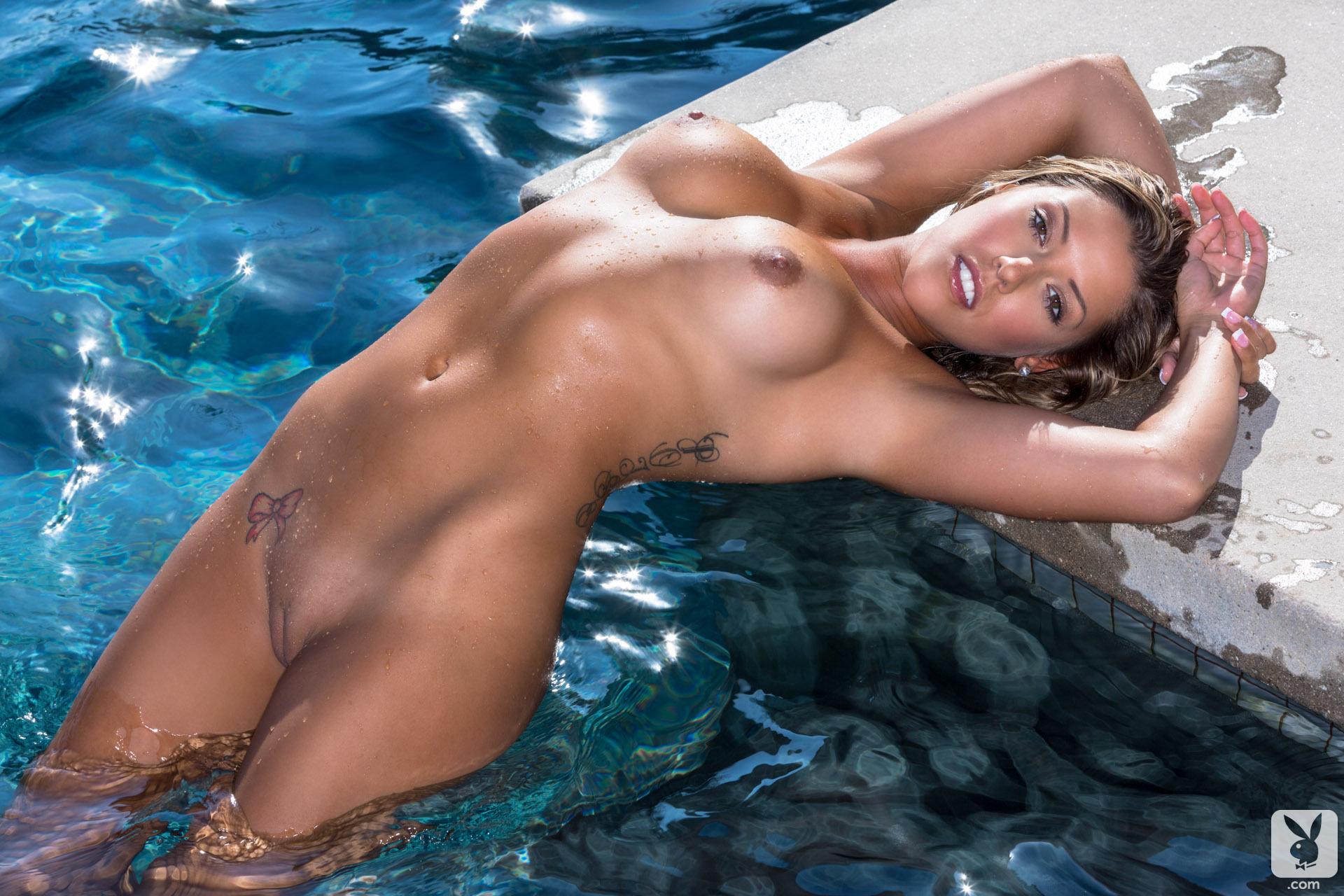 Голые девки мокрые