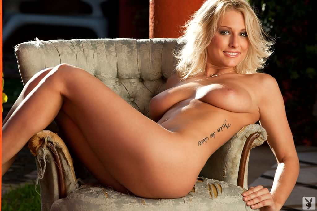 Sunny leone naked with boys