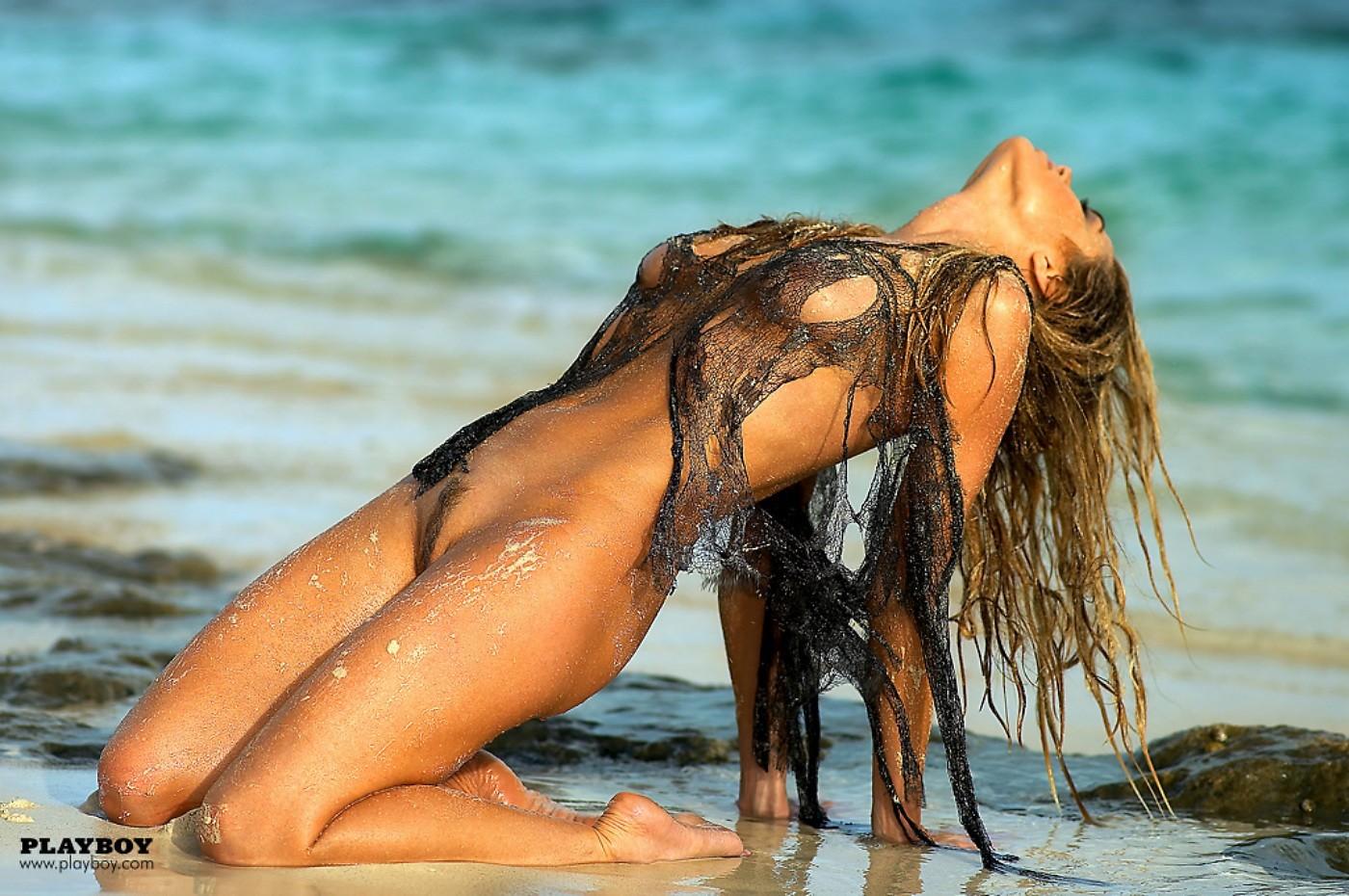 denise richard nude