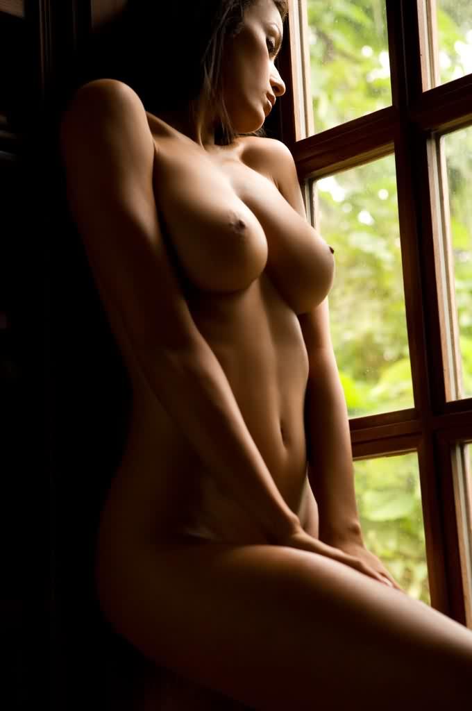 nude wifey world