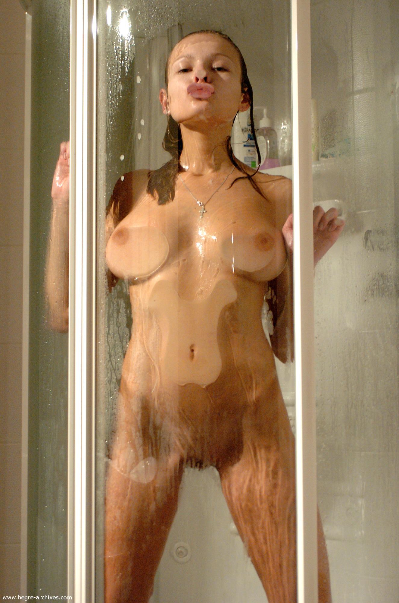 buck1690 shower luba luba showering10