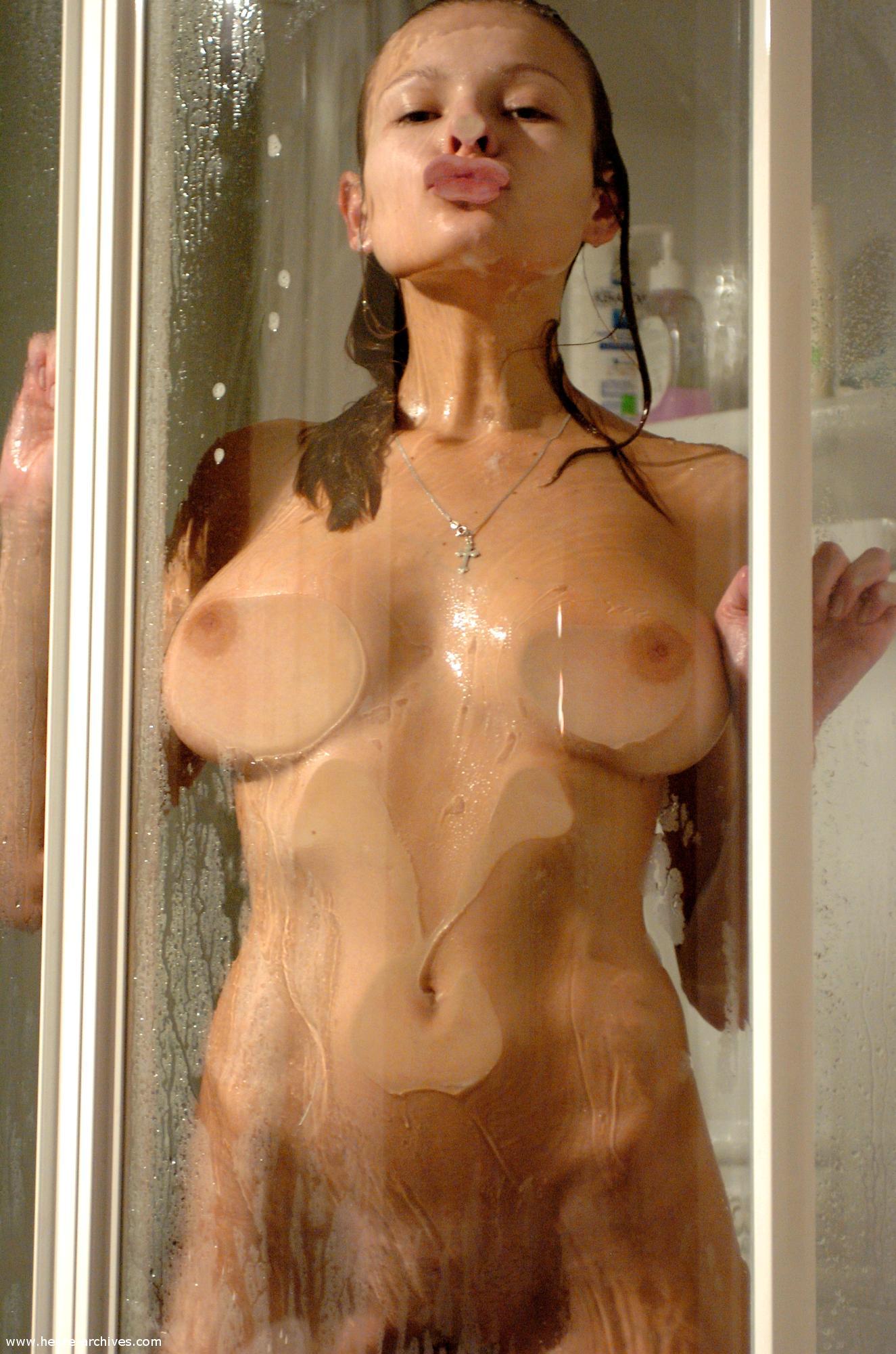 buck1690 shower luba luba showering11