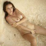 Alisa – Sexy sandy